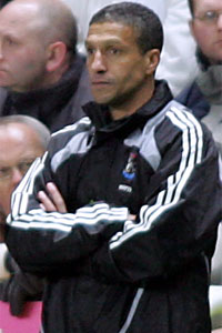 chris-hughton-794658900