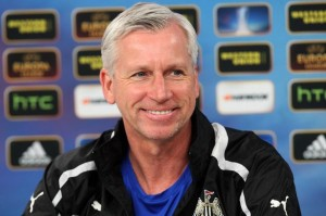 alan pardew smiling - press conference