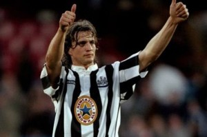 David Ginola playing for Newcastle United in 1997-678137