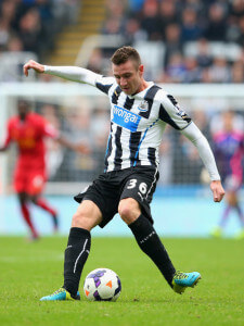 Paul Dummett  Newcastle+United+v+Liverpool+fjxlr1IEXvRl