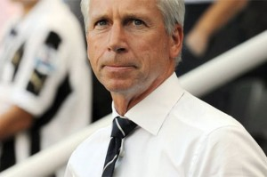 alan pardew under pressure after everton debacle