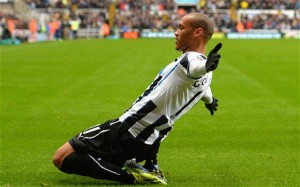 yoan gouffran after scoriubng first goal chelsea