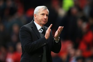 Alan Pardew after ManU 1-0 win-6382853