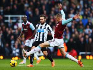 yohan cabaye collison west ham