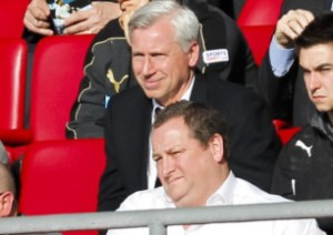 alan pardew behind mike ashley painful