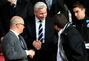 alan pardew meets Mike ashley soton before game
