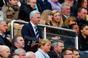 alan pardew manu on his own