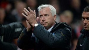 alan pardew at stoke clapping fans