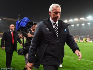 alan  pardew last night stoke 1-0