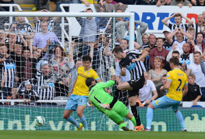 mike williamson socres palace first goal