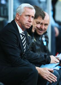 Alan Pardew steve stone john carver +Swansea+City+v+Newcastle+United+UCzIaeCvHCWl