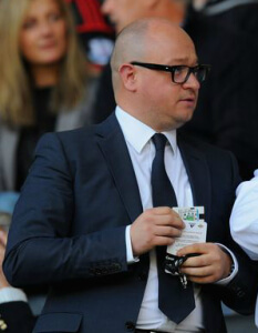 lee charnleywaist up