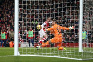 cazorla scores arsneal's seocnd goal