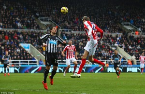 peter crouch outjumps janmaat