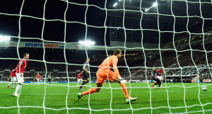 Tim Krul winning goial Man United