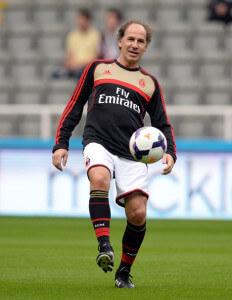 Franco Baresi  +Newcastle+United+v+AC+Milan+Qg00QyIoTkIl