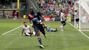 MILWAUKEE, WI - JULY 14: Moussa Sissko #7 of the Newcastle United scores a goal during the first half against Club Atlas at Miller Park on July 14, 2015, in Milwaukee, Wisconsin. (Photo by Mike McGinnis/Getty Images)  *** Local Caption *** Moussa Sissko
