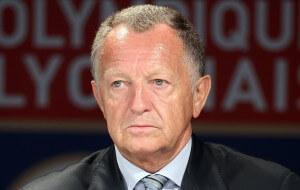 Football : Presentation de Pape Diakhate nouvelle recrue de Lyon - 31.08.2010 - Jean Michel Aulas ( president )