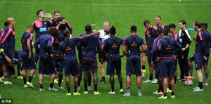 stve mcclaren tlaking to players opne day