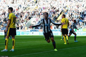 daryl janmaat scores newcastle goal