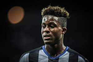 rolando aarons close up