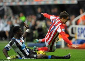cheick tiote challnges bojan krkic