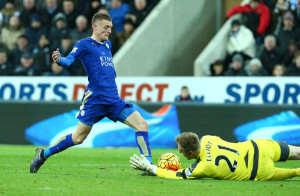 rob elliot saves from Jamie Vardy