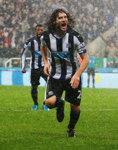 Fabricio Coloccini +Newcastle+United+v+Aston+rbJZSv5zDdbl