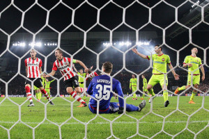 Luuk de Jong scores +PSV+Eindhoven+v+PFC+CSKA+Moskva+LV3t8Ic4MWPl