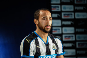 andros townsend b&w shirt
