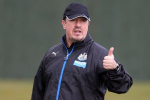 rafa benitez thunbs up