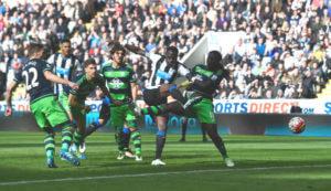 Moussa+Sissoko+Newcastle+United+v+Swansea+iumVuifdr5Pl