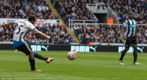 andros townsend scores palace