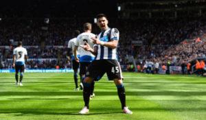 Aleksandar+Mitrovic+Newcastle+United+v+Tottenham+vJDkF77BjeMl