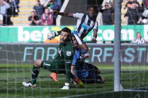Rolando+Aarons+Newcastle+United+v+Tottenham+IGR-jBSpK1Ll