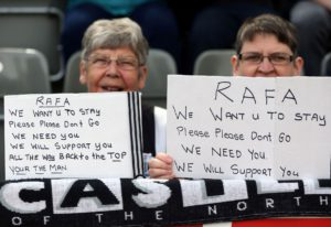 fans please with Rafa Benitez