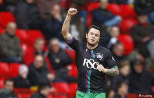 lee tomlin on loan at bristol city