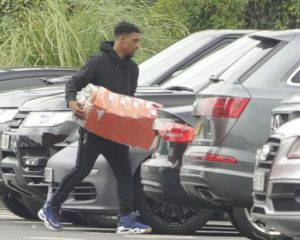 Jordon-Ibe-packing-his-boots