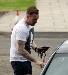 rob elliot arrives