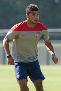 DeAndre_Yedlin_training_2014_Brazil_(cropped)
