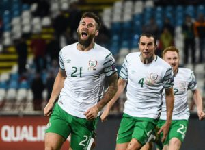daryl murphy scores with header serbia