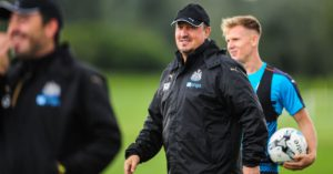 rafa-benitez-smiling-training