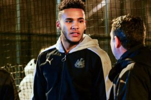 jamaal-lascelles-visit-newcastle-united-foundation-kickz-football
