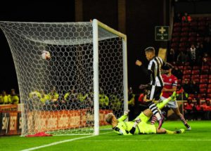dwight-gayle-scores-first-barnsley