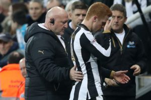jack-colback-off-after-elbow-in-face