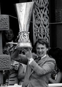 sir-bobby-robson-uefa-cup-1981