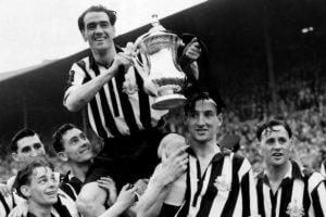 joe-harvet-wiht-fa-cup-1951