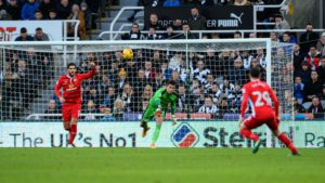 karl-darlow-throws-ball-blackburn