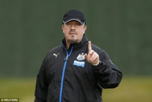 rafa-benitez-one-finger